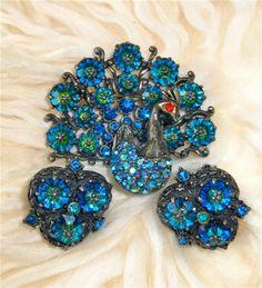 Vintage Signed Weiss Margarita Crystal Peacock Brooch and Earrings   eBay