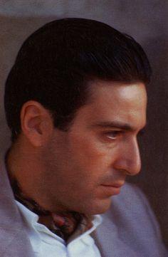 Al Pacino - Michael Corleone. The Godfather Part II - the coolest boss of all time. Al Pacino, Corleone Family, Don Corleone, The Godfather Part Ii, Godfather Movie, 2 Movie, Movie Stars, Die Verurteilten, Schindlers Liste