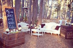 Love this outdoor lounge area! | Mountainside Bride