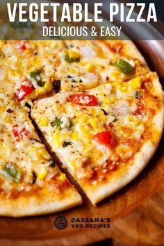 You're going to love this yummy homemade veggie pizza! So easy to make with so much cheese! Veg Pizza Recipe, Veggie Pizza, Pizza Recipes, Lunch Recipes, Vegetarian Recipes, Dinner Recipes, Veg Recipes Of India, Vegetable Recipes, Good Pizza