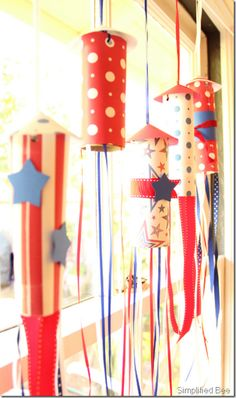 July 4th rocket garland craft for kids- these make great decorations for parties, too!