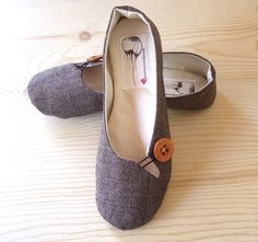 Super awesome flat shoes!  Organic & vegan! (Etsy...HydraHeart)