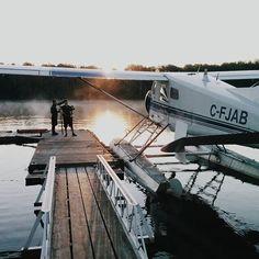 🌅 Il y a pire comme dimanche matin... 🛩 #oatbox #filmmaking #seaplane #sunrise