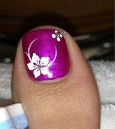 ideas flower pedicure designs toenails for 2019 Pretty Toe Nails, Cute Toe Nails, Fancy Nails, Trendy Nails, Flower Pedicure Designs, Toenail Art Designs, Fingernail Designs, Pedicure Nail Art, Toe Nail Art