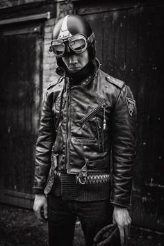 Cafe racer, rocker or ton up boy look Cafe Racing, Cafe Racer Motorcycle, Motorcycle Leather, Biker Leather, Motorcycle Style, Motorcycle Helmets, Leather Jackets, Classic Motorcycle, Motorcycle Jackets