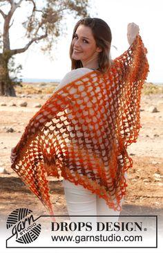Crochet DROPS shawl in Verdi. Free pattern by DROPS Design.