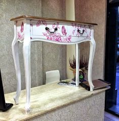 empapelador Francisco Carmona que como siempre nos ha deleitado con esta obra de Nautical Furniture, Whimsical Painted Furniture, Furniture Making, Diy Furniture, Chair Repair, Reclaimed Furniture, Wooden Picture, Furniture Restoration, Wooden Diy