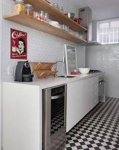 forma de cozinha retrô mais barata.. substituir o preto por cores mais leves