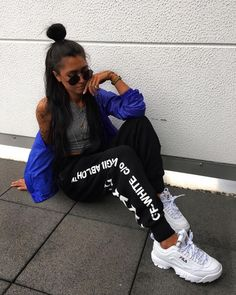 In order to be able to combine clothes again, it is important to know your own wardrobe inside out.Now you can do this with casual outfit ideas. Sporty Outfits, Trendy Outfits, Summer Outfits, Teen Fashion, Fashion Outfits, Womens Fashion, Fashion Trends, Fashion Fashion, Fashion Tips