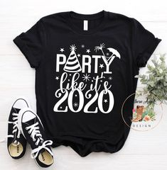 Fantastic Happy new year information are readily available on our internet site. look at this and you wont be sorry you did. New Years Eve Shirt, Family New Years Eve, New Years Shirts, New Years Outfit, Happy New Year Message, Happy New Year Quotes, Quotes About New Year, Vinyl Shirts, Tee Shirts