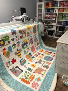 Hey Quilty Friends, it's been a busy couple months, and I have not had much time to share my journey, so lets catch up! we bought a new home just North of Austin Texas, in beautiful Lago. Girls Quilts, Baby Quilts, Kid Quilts, Strip Quilts, Quilt Blocks, Quilt Stitching, Patchwork Quilting, Longarm Quilting, Quilting Fabric