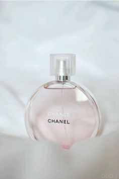 I'm in love... my new scent!  love ...did I say love??   Chanel Chance SS 2013