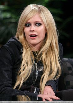 Pop Punk, Avril Lavigne Photos, Punk Rock Princess, Avril Lavingne, The Best Damn Thing, Blonde Women, Girl Gifs, Beauty Women, My Idol