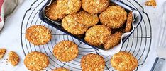 Everyone seems to have a different preference for Anzac Biscuits. You can adjust the thickness and cooking time to make them how you want! Galletas Cookies, Cookie Recipes, Dessert Recipes, Flour Recipes, Desserts, Oats Recipes, Candy Recipes, Oatmeal Coconut Cookies, Deserts