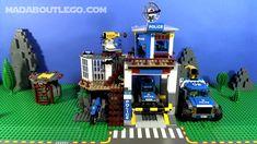 LEGO Mountain Police Films Lego Mountain, Lego Police, Lego Projects, Lego Moc, Lego City, 4x4, Baby Car Seats, Films, Lego Ideas