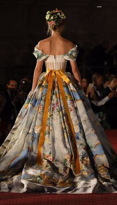 Dolce & Gabbana – Alta Moda Autumn-Winter 2017 Couture in Palermo – Dress Archive Style Haute Couture, Couture Fashion, Runway Fashion, High Fashion, Lux Fashion, Rococo Fashion, Fashion Jobs, Haute Couture Dresses, Couture Details