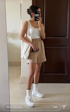 Basic Outfits, Cute Casual Outfits, Short Outfits, Spring Outfits, Aesthetic Fashion, Look Fashion, Aesthetic Clothes, Fashion Outfits, Looks Pinterest