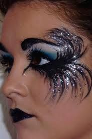 beautiful  {would do this if i was into goth again. would call it dressed up. tonyameadows}