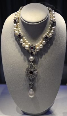 pictures elizabeth taylor jewelry collection - Google Search