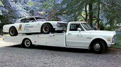Classic hauler with classic race car Custom Hot Wheels, Custom Cars, Custom Trucks, Sports Car Racing, Drag Racing, Auto Racing, Tow Truck, Chevy Trucks, Toy Hauler Trailers