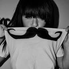mustache shirt All you o is get a plain white shirt and draw a muctache on it with a sharpie or a marker tht wont come off in the washer Plain White Shirt, Sweet Nothings, Mixtape, Diy Clothes, Make Me Smile, Cool Shirts, Just In Case, Curly Hair Styles, Moustache