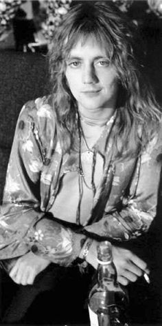 Roger Taylor, Queen ~ With that unique little smile of his, sweet and sassy at the same time with a bit of mischief thrown in...So Roger! Love it!