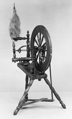 Spinning Wheel - CAN SPIN ANY FIBER ON THIS WHEEL INCLUDING FLAX WHICH BECOMES LINEN YARN.