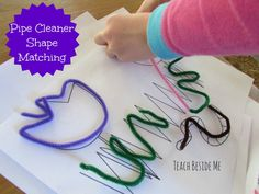 Busy Bag quiet time activity for preschoolers and toddlers. This is great for line awareness, visual perceptual skills, and fine motor skills ~ From sugar aunts 3 Year Old Activities, Quiet Time Activities, Preschool Activities, Motor Activities, Preschool Art, Toddler Preschool, Toddler Activities, Preschool Classroom, Shape Matching