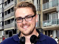 Bart de Raes (January 28, 1987) Belgian radiopresenter, known from Mnm radio.