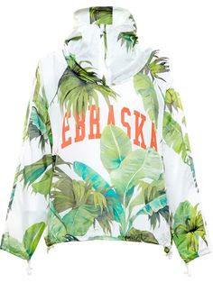 Feeling Myself Video Fashion Credits- Beyonce and Nicki Minaj in Philipp Plein, Givenchy, Off White by Virgil Abloh, Moschino, Chloé, and more! windbreker hoodie leaf printed beyonce