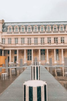 Palais Royal, Paris - The perfect Paris backdrop Romantic Paris, Travel Chic, Palais Royal, The Good Place, Travel Destinations, Places To Visit, Street View, Europe, France