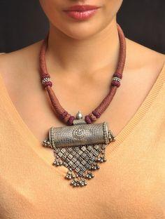 How To Make Silver Bracelets Silver Jewelry Box, Silver Jewellery Indian, Tribal Jewelry, Boho Jewelry, Pendant Jewelry, Beaded Jewelry, Fashion Jewelry, Silver Rings, Jewelry Shop