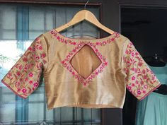Tag your picture with to get featured on this page . Blouse Back Neck Designs, Fancy Blouse Designs, Saree Blouse Designs, Blouse Patterns, Blouse Neck, Blouse Desings, Blouse Models, Sleeve Designs, Hand Embroidery