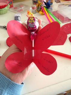 """Aprenda a fazer um """"convite borboleta"""" para festa com tema fadas, jardim, Sininho..."""