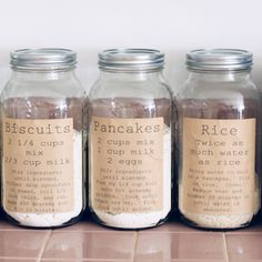 Pantry Organization Labels to Print for Free These free printable pantry organization labels are perfect for your kitchen! Pantry organization has never been easier or cuter than adding these labels to mason jars! Diy Rustic Decor, Farmhouse Decor, Diy Home Decor, Farmhouse Style, Rustic Signs, Rustic Style, Decor Room, Farmhouse Ideas, Vintage Farmhouse