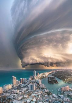 Amazing clouds over Miami ✨🌪 Florida, United States. Photos by The post Amazing clouds over Miami Florida, Unit appeared first on . Beautiful Sky, Beautiful Landscapes, Beautiful World, Nature Pictures, Cool Pictures, Cool Photos, All Nature, Amazing Nature, Terre Nature