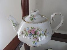 VINTAGE 1930s Roslyn Fine Bone CHINA MOSS ROSE Teapot MADE IN ENGLAND RARE