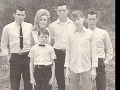Dolly Parton Family, Dolly Parton Husband, Dolly Parton Young, Dolly Parton Tattoos, Dolly Parton Quotes, Country Western Singers, Country Music Singers, Dolly Parton Imagination Library, Historia
