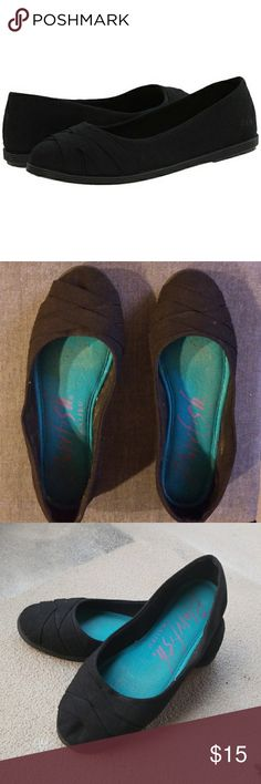 """Blowfish Glo black ballet flats Black ballet flats, the fabric is called """"black cozumel"""", it's a linen-texture material. Worn only twice. Really soft and comfortable. Blowfish Shoes Flats & Loafers"""