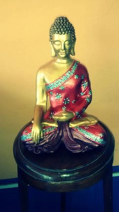 BUDA Tibetano. Pintado Tristana Pagotto. Buddha Garden, Buddha Art, Decoupage, Diy And Crafts, Sculpture, Artwork, Painting, Inspiration, Drybrush