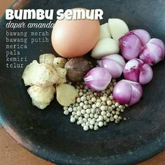 Bumbu Semur Indonesian Chicken Recipe, Slow Cooker Recipes, Cooking Recipes, Malay Food, Indonesian Cuisine, Western Food, Cooking Ingredients, Asian Cooking, International Recipes