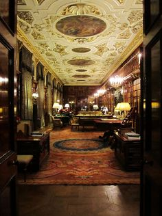 Library at Chatsworth House in Derbyshire. Pone of the most inviting, large estate rooms I've ever seen.