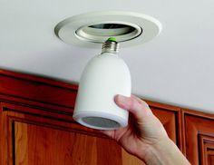 Alto-falantes sem fio / luzes que parafuso em qualquer tomada leve e transmite sua música iPod / Pad / Phone.  Impressionante.