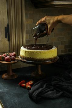 The Only Classic Cheesecake Recipe You'll Ever Need {plus troubleshooting tips to get it right} recipes classic recipes easy recipes easy homemade recipes easy philadelphia recipes new york recipes no bake Best Cheesecake, Classic Cheesecake, Cheesecake Recipes, Homemade Cheesecake, Easy Cakes To Make, How To Make Cake, Philadelphia, Crumb Recipe, Hot Fudge Sauce