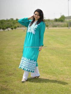 For summer simple pakistani dresses, pakistani suits, simple dresses, india Simple Pakistani Dresses, Pakistani Outfits, Simple Dresses, Indian Dresses, Indian Outfits, Casual Dresses, Casual Wear, Indian Attire, Indian Ethnic Wear