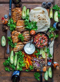 food platters * food ` food recipes ` food videos ` food photography ` food and drink ` food recipes for dinner ` food aesthetic ` food platters Mexican Food Recipes, Dinner Recipes, Brunch Recipes, Good Food, Yummy Food, Cooking Recipes, Healthy Recipes, Cookbook Recipes, Food Platters