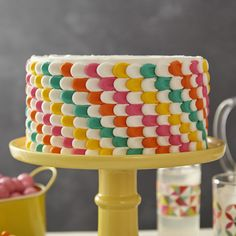 High contrast, saturated colors look even more impressive, stacked diagonally and covering the cake completely. The simple pulled dot gets an updated edge when you switch colors as you pipe. Wilton Cakes, Dot Cakes, Cupcake Cakes, Cupcakes, Cake Borders, Wilton Cake Decorating, Salty Cake, Cake Tins, Birthday Cakes