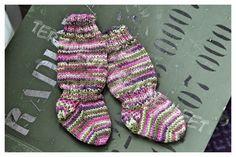 Terapeuttiset neuleet: Vauvan perus villasukka.
