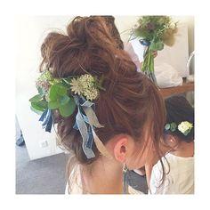 この前のスタイルのサイドの写真。 リハーサルで咄嗟に思いついたデニムの生地のヘッドが可愛い 花嫁様の手作りのピアスと合ってるーー #sudachibridal…