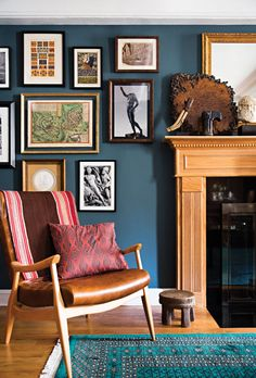 navy walls + vintage art